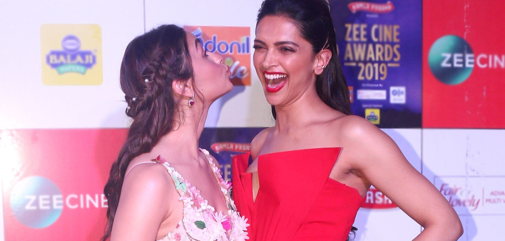 Ali Bhatt, Ranbir Kapoor Girlfriend and Deepika Padukone, Ranveer Singh Wife on red carpet picture taken by Bollywood paparazzi.